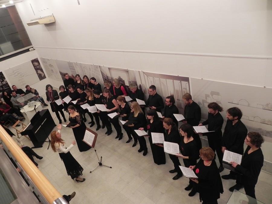Božični koncert v galeriji Kresija